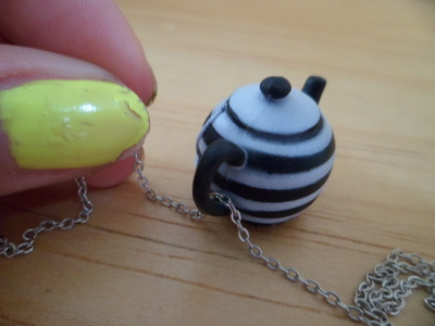 How to make a toy necklace. Tea Set Jewelry - Step 3