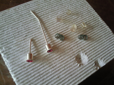 How to make a pair of recycled earrings. Tiny Glitter Studs - Step 6