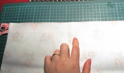 How to make a washbag. Oil Cloth Washbag - Step 2