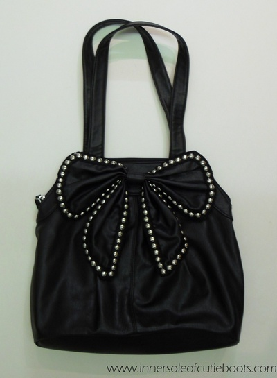 How to sew a bow bag. Ribbon Studded Bag - Step 3