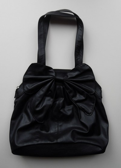 How to sew a bow bag. Ribbon Studded Bag - Step 1