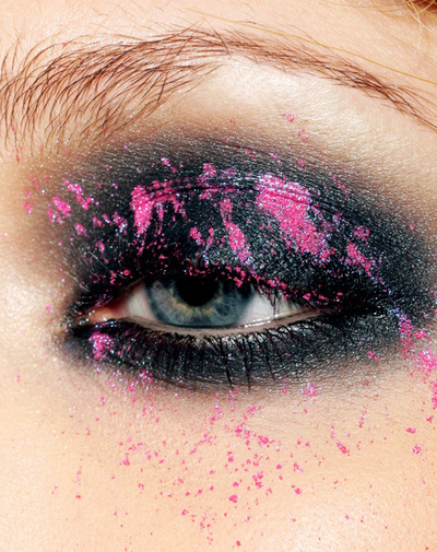 How to create an animal print eye makeup look. Miss Reckless - Step 2