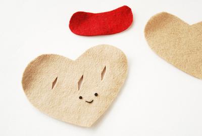 How to make a shape plushie. Heart Felt Pastry Plush - Step 1