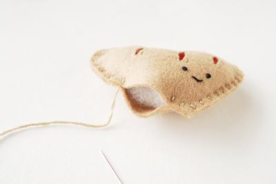 How to make a shape plushie. Heart Felt Pastry Plush - Step 4