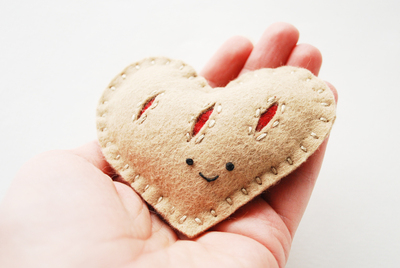 How to make a shape plushie. Heart Felt Pastry Plush - Step 5