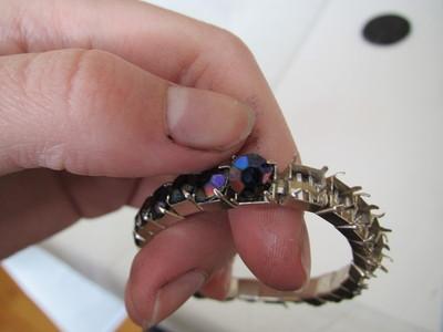 "How to make a bottle cap pendant. ""Studded"" Rhinestone Bottlecap Pendant - Step 2"