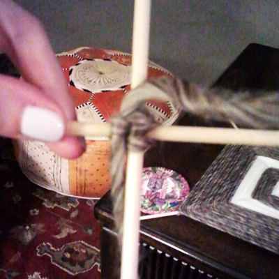How to make string art. Simple String Art - Step 5