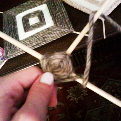 How to make string art. Simple String Art - Step 6