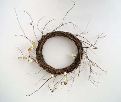 How to make a floral wreath. Berries & Wreaths - Step 1