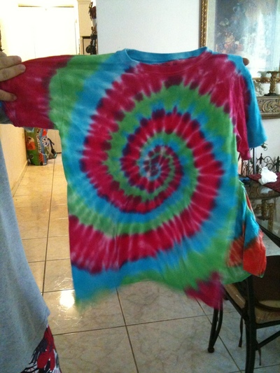 How to dye a tie dye t-shirt. Tye Die T Shirts! - Step 16