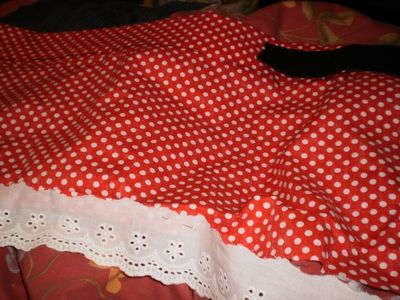How to make a costume skirt. Minnie Mouse Inspired Skirt - Step 3