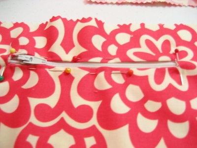 How to make an envelope clutch. Soy Envelope Clutch Tutorial - Step 21