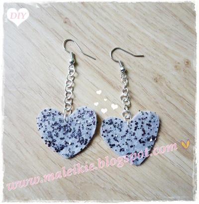 How to make a pair of fabric earrings. Felt Heart Earrings  - Step 3