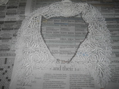 How to make a collar / bib. Vintage Lace And Chain Collar Necklace - Step 5