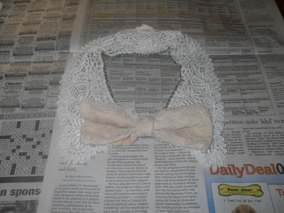 How to make a collar / bib. Vintage Lace And Chain Collar Necklace - Step 7