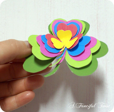 How to make a paper brooch. Shamrock Brooch - Step 5