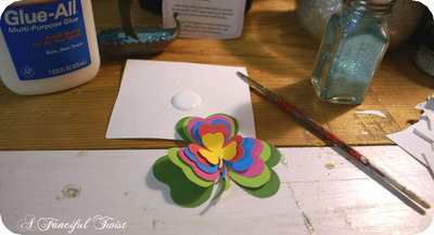 How to make a paper brooch. Shamrock Brooch - Step 7
