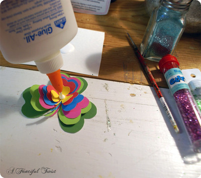 How to make a paper brooch. Shamrock Brooch - Step 8