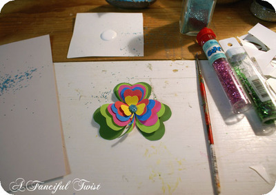 How to make a paper brooch. Shamrock Brooch - Step 9