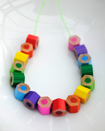 How to make a recycled necklace. Pencil Crayon Jewelry - Step 6