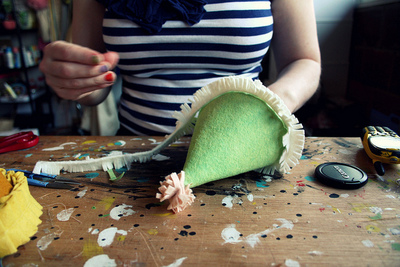 How to make a party hat. Felt Birthday Hats - Step 12