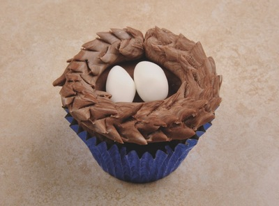How to decorate an animal cake. Bird's Nest Cupcakes - Step 4