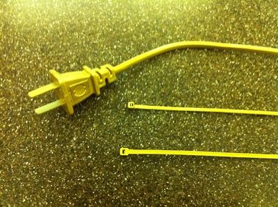 How to make a recycled bracelet. Plug Bracelet - Step 2