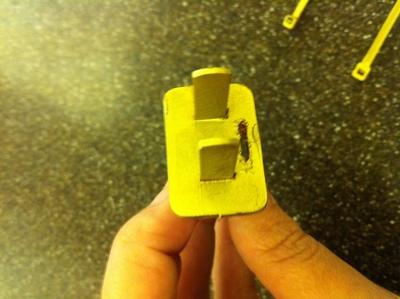 How to make a recycled bracelet. Plug Bracelet - Step 3
