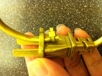 How to make a recycled bracelet. Plug Bracelet - Step 6