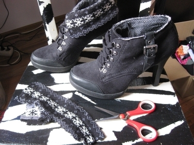 How to make a pair of lace shoes. Vintage Lace Shoes - Step 1