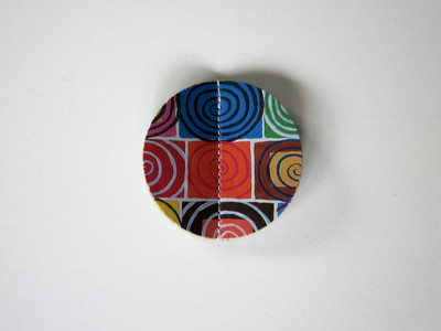 How to make a paper brooch. How To Make A 3 D Paper Brooch - Step 6