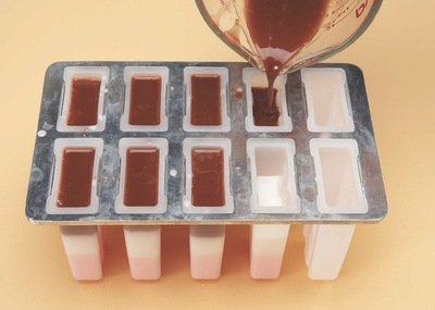 How to make soap. Neapolitan Soap Pops - Step 3
