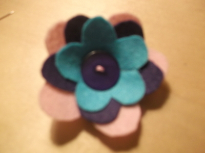 How to sew a fabric flower charm. 3 D Flower!! - Step 6
