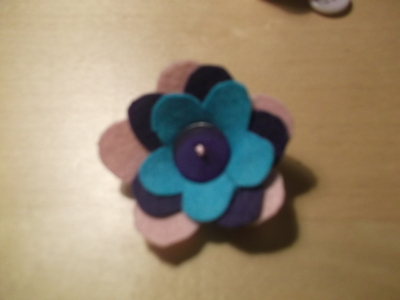 How to sew a fabric flower charm. 3 D Flower!! - Step 7