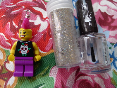 How to make a Lego necklace. Glam Punk Lego Necklace - Step 5