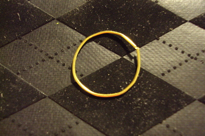 How to make a recycled ring. Fluo Rainbow Rings - Step 3