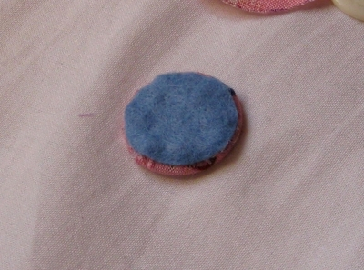 How to make a fabric covered button. Fabric Covered Buttons - Step 3