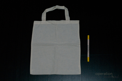 How to paint a painted tote. Fabric Marker Tote - Step 1