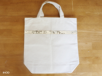 How to make an embellished tote. Sequin Tote - Step 1