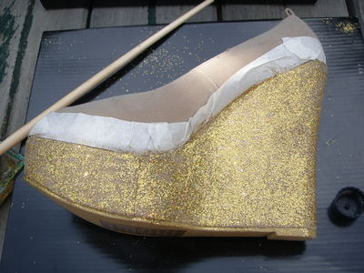 How to decorate a pair of glitter shoes. Diy Glitter Wedge - Step 6