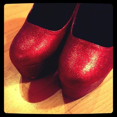 How to decorate a pair of glitter shoes. Ruby Red Platform Heels - Step 6