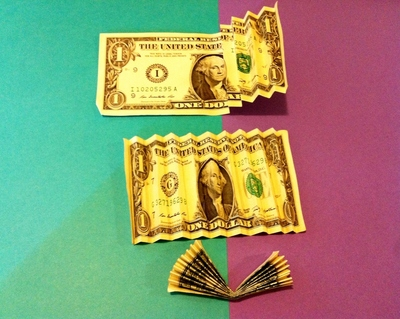 How to make a recycled necklace. Money Lei - Step 3