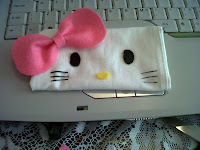 How to sew a fabric character pouch. Hello Kitty Phone Pouch - Step 4