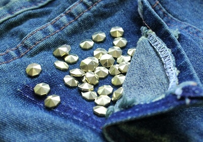How to make shorts. Stud Poin Pants - Step 5