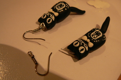 How to sculpt a set of clay animal earrings. Kit Cat Clock Inspired Jewellery Set - Step 13