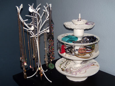How to make a jewelry display. Painted Jewelry Stand - Step 6