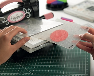 How to emboss an embossed card. Surface Embossing - Step 3