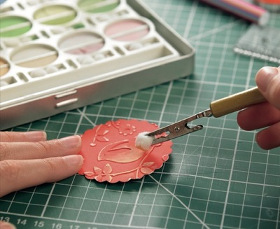 How to emboss an embossed card. Surface Embossing - Step 5