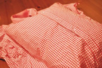 How to make a recycled cushion. Create Pillows From Daddy's Old Shirts - Step 2