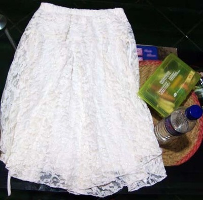 How to recycle a skirt into a dress. Old Top + Unused Skirt = Perfect Dress - Step 2